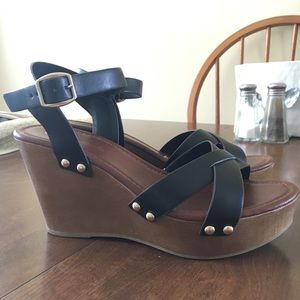 Cityclassified Shoes - Black Wedges